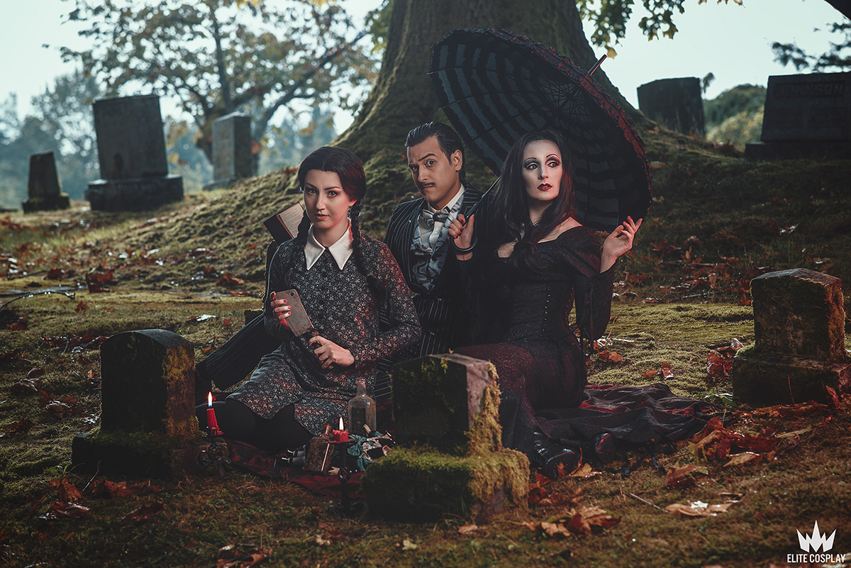 Addams-Family-Cosplay-Elite-Cosplay22