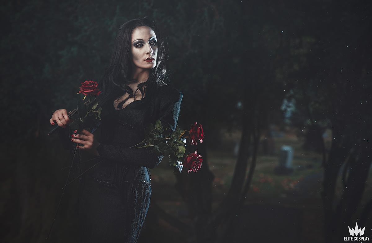 Addams-Family-Cosplay-Morticia-Addams-Elite-Cosplay10