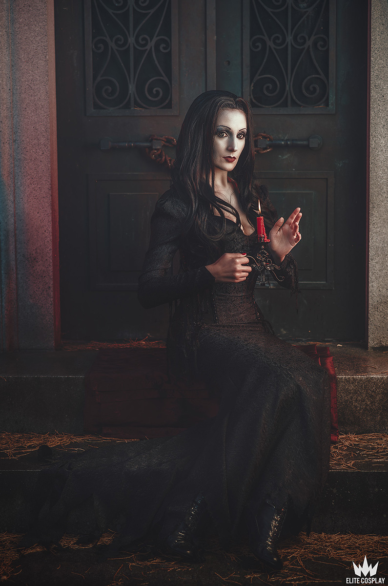 Addams-Family-Cosplay-Morticia-Addams-Elite-Cosplay19