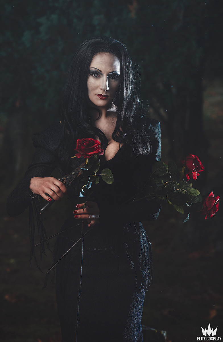 Addams-Family-Cosplay-Morticia-Addams-Elite-Cosplay9
