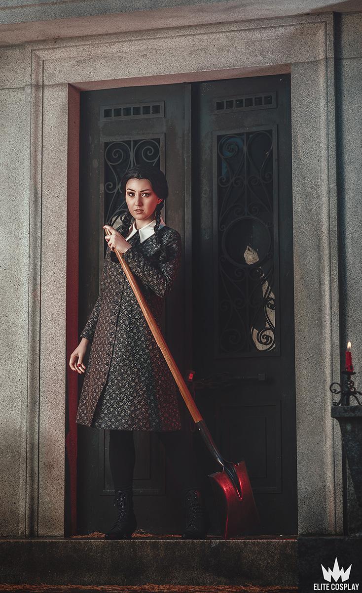 Addams-Family-Cosplay-Wednesday-Addams-Elite-Cosplay17