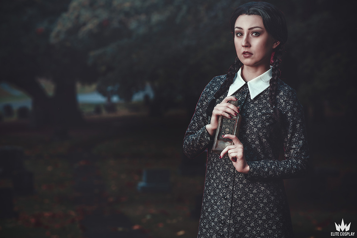Addams-Family-Cosplay-Wednesday-Addams-Elite-Cosplay2